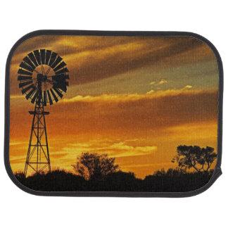 Moulin à vent et coucher du soleil, crique de tapis de sol
