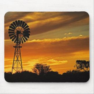 Moulin à vent et coucher du soleil, crique de Will Tapis De Souris