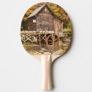 Moulin de blé à moudre de crique de clairière, raquette de ping pong
