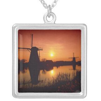 Moulins à vent au coucher du soleil, Kinderdijk, Pendentif Carré