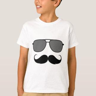 moustache et verres t-shirt