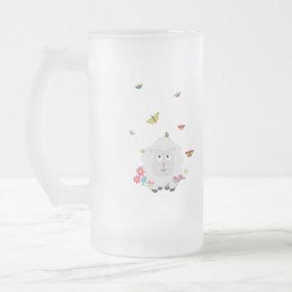 Moutons avec les fleurs et les papillons Z1mk7 Frosted Glass Beer Mug