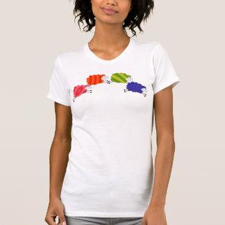 Moutons d'arc-en-ciel t-shirts