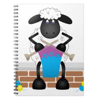 Moutons de tricot pour la brebis carnet à spirale