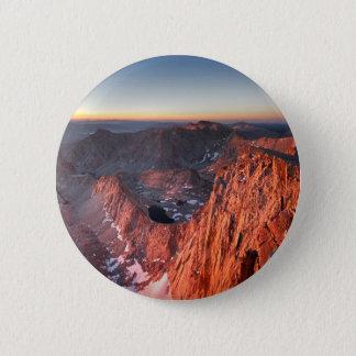 Mt Whitney et lever de soleil de sommets - traînée Badge