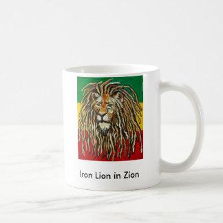 Mug 1, lion de fer dans Zion
