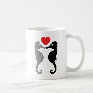 Mug 2 hippocampes dans l'icône d'amour