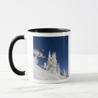 Mug Action de snowboarding à la station de sports de