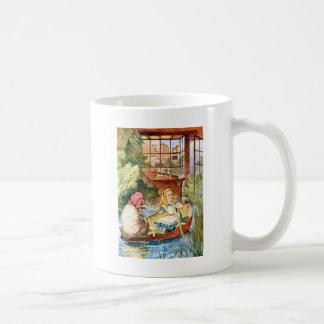 Mug Alice a observé en tant que dame âgée transformée