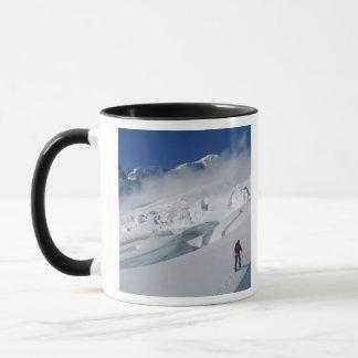 Mug Alpiniste sur le glacier de Tasman dans le bâti