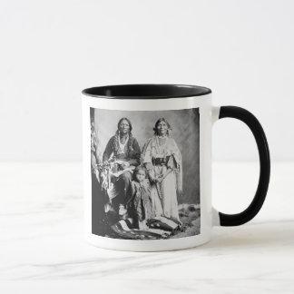 Mug Apache Antonio en chef Maria avec sa famille, 1897
