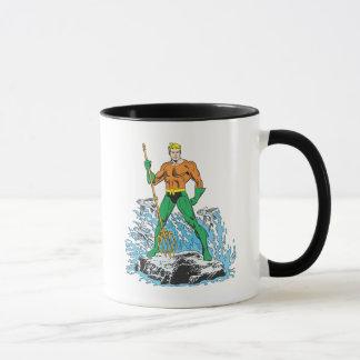 Mug Aquaman se tient avec la fourche