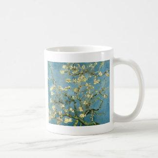 Mug Arbre d'amande de floraison par Van Gogh