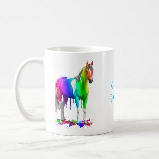Mug Arc-en-ciel coloré s'égouttant le cheval humide de