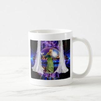Mug art prophétique créé par Dolores DeVelde