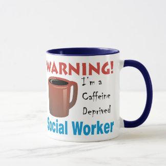 Mug Assistant social déshérité par caféine