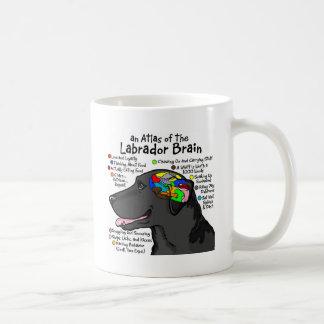 Mug Atlas noir de cerveau de Labrador