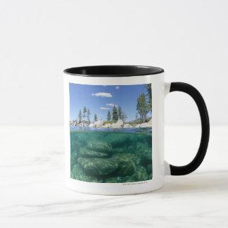 Mug Au-dessus et au-dessous du lac Tahoe