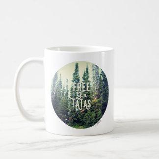 Mug Aucuns soutiens-gorge permis dans la forêt