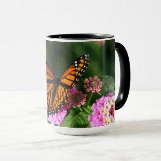 Mug Beau papillon sur la fleur de Lantana