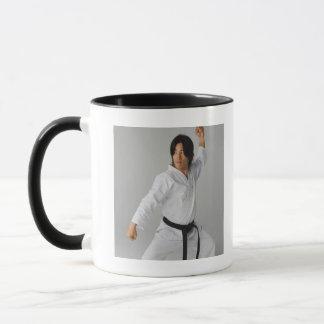 Mug Blackbelt dans à la position prête