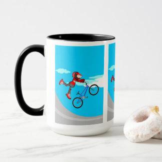 Mug BMX enfant dans sa bicyclette en volant par l'air