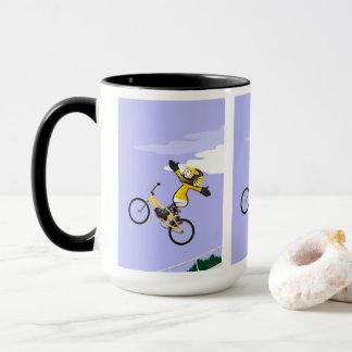 Mug BMX enfant en volant dans sa bicyclette comme une