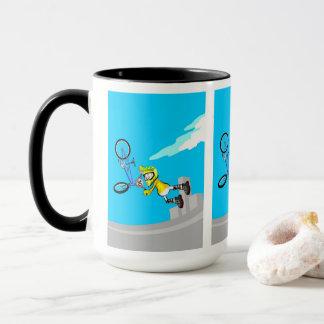 Mug BMX enfant vole par l'air avec sa bicyclette bleue