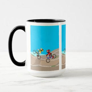 Mug BMX enfants dans sa bicyclette en concurrençant