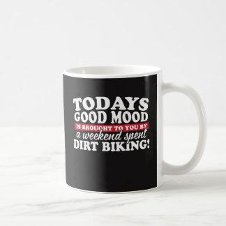Mug Bonne humeur apportée par faire du vélo de saleté