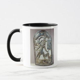 Mug Bouclier votif dépeignant le roi massacrant a