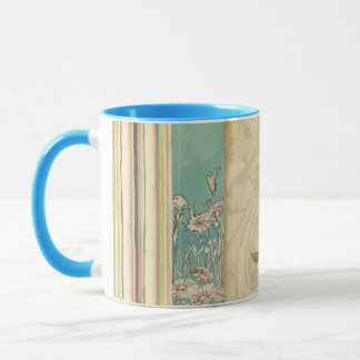 Mug Brown et oiseau bleu sur une branche recherchant