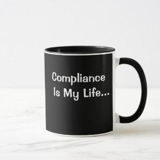 Mug Bureau drôle indiquant - la conformité est ma vie