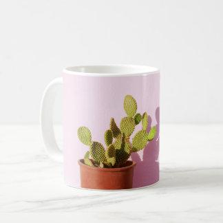 Mug Cactus vert dans un pot de fleurs