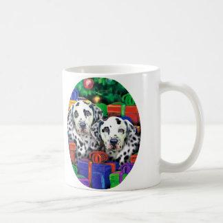 Mug Cadeaux ouverts de Noël dalmatien