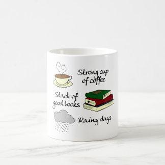 Mug Café, livres et pluie