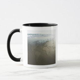 Mug Carte du monde sur le sable