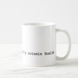 Mug 'Cet instrument préparé par Antonin Scalia