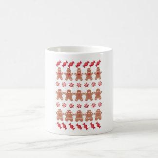 Mug Chandail laid de Noël de biscuits de bonhommes en