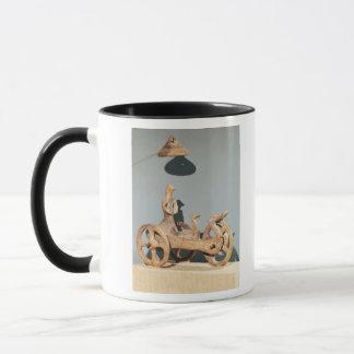 Mug Char votif avec une divinité anthropomorphe