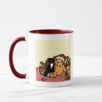 Mug Chat avec l'ours de nounours près de l'arbre de