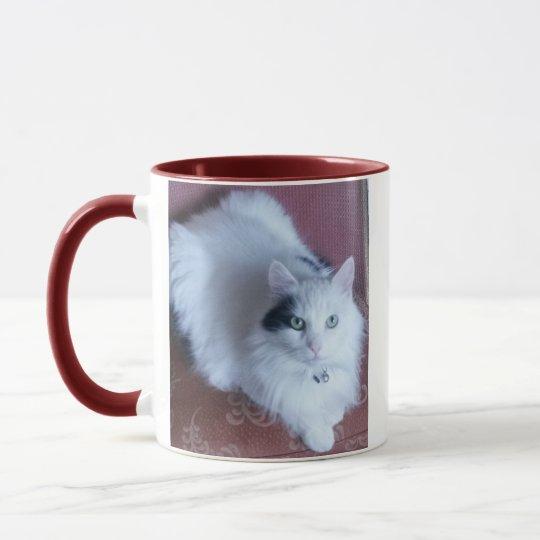 Mug Chat mignon pelucheux blanc avec l'attitude
