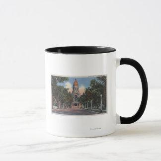 Mug Cheyenne, WY - vue de capitol d'état et Drivewa