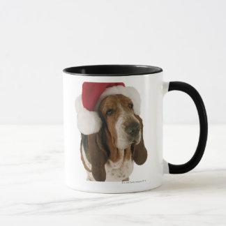 Mug Chien de basset dans le casquette de Père Noël