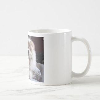 Mug Chiot blanc de bouffe de bouffe de souffle crème