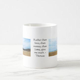 Mug Citation inspirée de VÉRITÉ de Henry David Thoreau