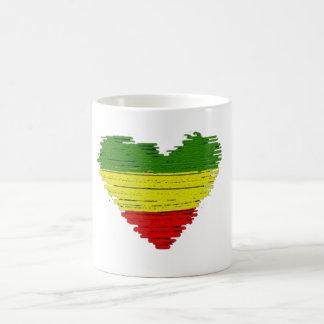 Mug Coeurs d'amour du reggae un de Cori Reith Rasta