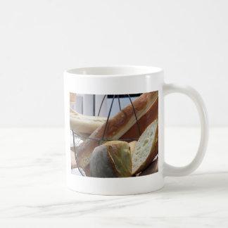 Mug Composition avec différents types de pain cuit au