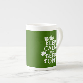 Mug Conservez le calme et la bière sur (Irlandais)