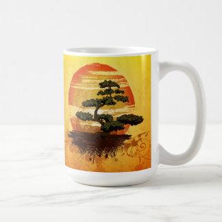Mug Coucher du soleil japonais d'arbre de bonsaïs
